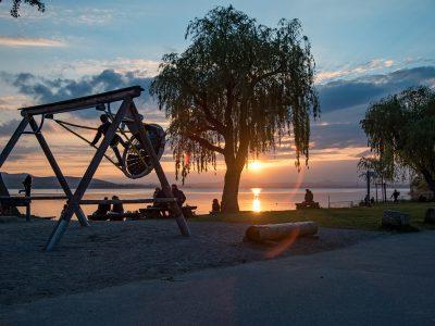 Spielplatz mit Sonnenuntergang